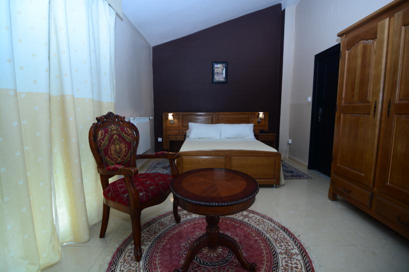 Chambre_comfort_hotel_hirondelle_2_Big