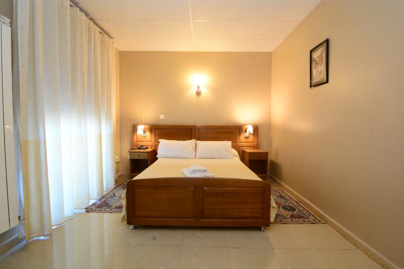 Chambre_single_hotel_hirondelle_2_Big